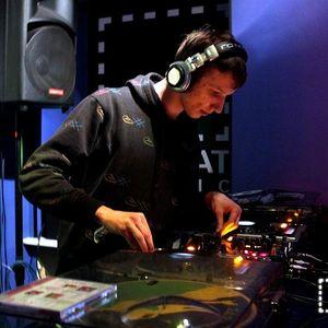 DJ VQS live mix in Qadrat Studio(13.5.2011)