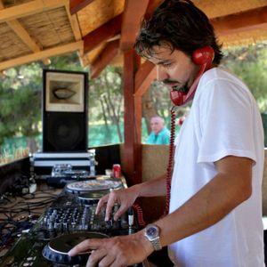 Madera Verde presents The Global Glitch / Mi-Soul Radio / Sun 5am - 7am / 14-08-2016