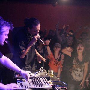 Mix Dj Science Feat Big Red Live @ Bud Café 07/2014