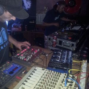 oksel live act @ the blesse 28-5-2012.mp3