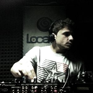 Adam! at Low Frequencies, Loca FM (17.06.2011)