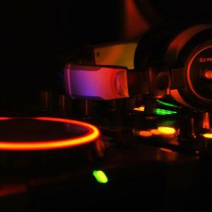 WDJ SOUNDS by wigaRd deejay Vol. 4