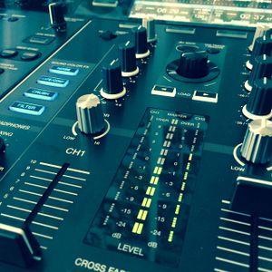 Amp-UT Deep House Mixtape O four 15