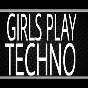 Girls Play Techno