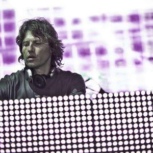 Hernan Cattaneo - Resident 060 (Delta FM) - 30-06-2012