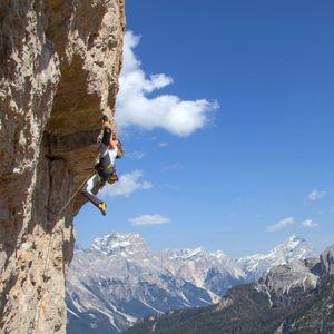 Sara Avoscan UP climbing 9