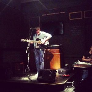 30/10/12 Sheffield acoustic artist Tom Scott performs live