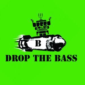 OMG!! MOVE THAT bASS bASS bASS bASS bASS (SWIZZMACK POWER MIX!!!)