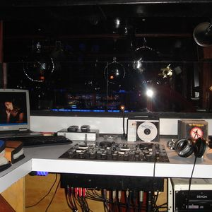Tourbeat 09 Mixed by Manuel Tovilla