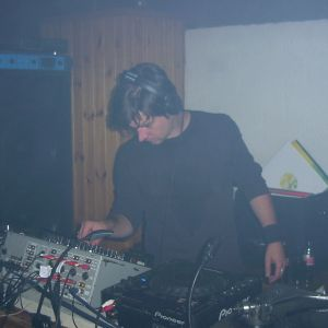 Peter Novak@The Sphere feb 2000 set 3