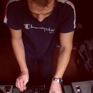 Vincenzo Serio - Live @ Bhotradio 12-08-2012