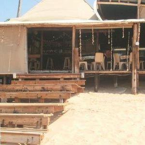 Pinto`s Beach Bar - April 2011
