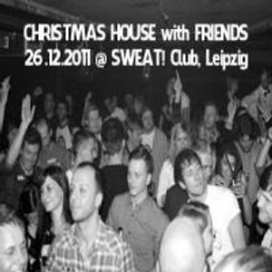 AXREC-SWEAT-CLUB-ChristmasHousewithFriends-20111226