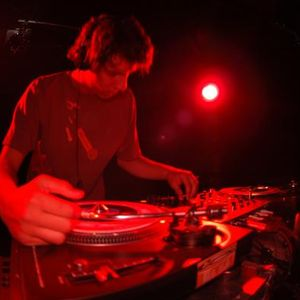 DJ CHAI 2010 Reggae mix!!! sLOVEnia MAN!!!