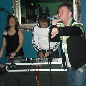 DJs Lady Brock & Double T  with MC Rizla Dizla (Live Set Jan 2011)