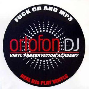 Live @ Radio A 2005.09.21 :-) Andre Da Beat a.k.a.DJ Reel,Dj Festa,Dj Volczer vs DJ Hozso