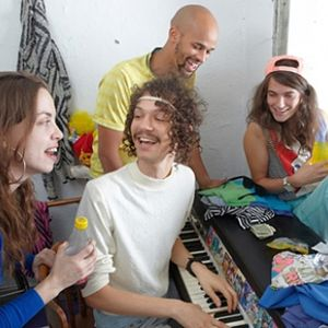 Totally Wired Radio Show: October 24th, 2010 - Guest host DARWIN DEEZ