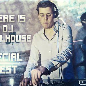 Here is DJ Follhouse N°10 (Guest Baptiste Titan)