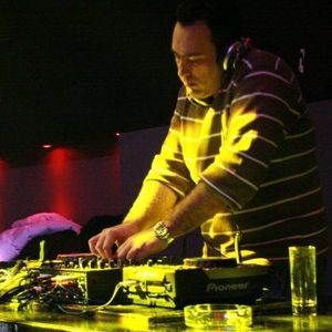 Balearic sessions show as transmited live from Liquidfm.gr 13/2/2012