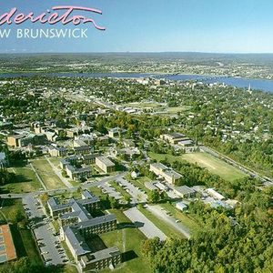 Sundown Lounge 332: Across Canada Redux: Fredericton, NB