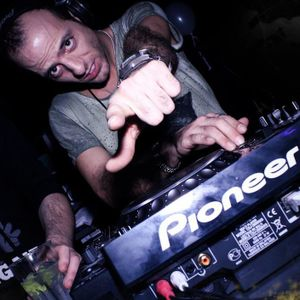 DJ WALLY FROM PASCIA' HOUSE SESSION 2013