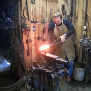 Blacksmithing with Hammerhand
