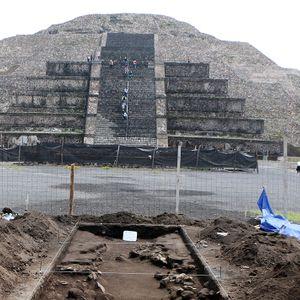 Hallazgos en Plaza de la Luna en Teotihuacan