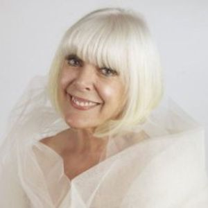 Aimi Macdonald Cabaret Comedienne on GORGEOUS LIVES
