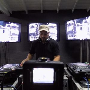 Walter Contreras@dj set sound-room tv