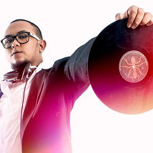 """THE DJ HUNT - (Mamay)"""