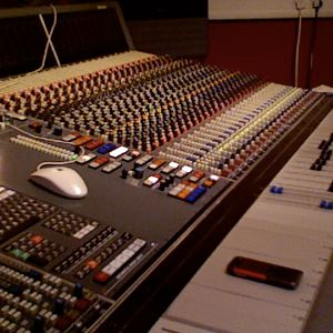 Bench Warehouse Project Competition - Equinox DJ Trance Classics mix