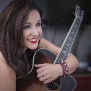 Carrie Cunningham on Zetland FM Country with Richard Dales Coupland