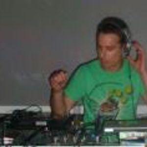 JO DEVIANT DNB MIX - OLD VS NEW - DEC 2011 - CHECK OUT WWW.ROGUEFM.COM 11-1 SAT NIGHTS,MY DNB SHOW