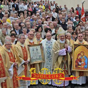 Przemówienia i życzenia z racji 100-lecia kościoła Świętej Rodziny w Pile
