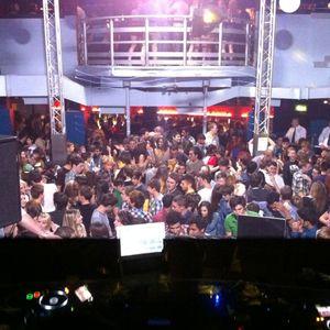 Yeah! @ The Venue [20.05.11] [LIVE] - Part 2