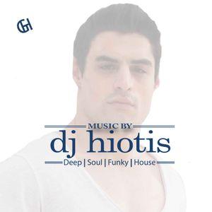 DJ HIOTIS LIVE SET @WHITE SAND 15:7