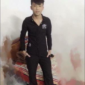 NST - Quang'x Lãng'x Tử'x chúc bạn Nguyễn Dương 30-4 vui vẻ cùng 500 ae :* <3 <3