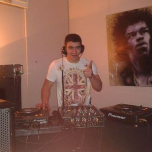 Dj Lewis-T Hardhouse mix 18/9/2012
