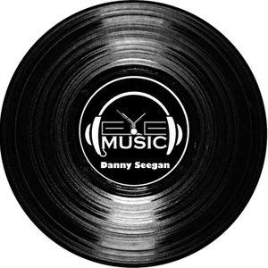 Danny Seegan - SHake that.....(R&B, Trap, Hip Hop Session)
