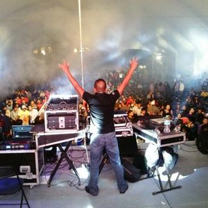 AÑO 17 VOL 5 ELECTRO JULIO 2014 BY MÉMIN DJ PODER AUDITIVO [WWW.MASTERBOYS.COM.MX]