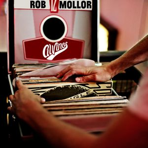 Rob Mollor Disco at Alvinos