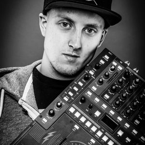 DJ Maxim & DJ SoSoKev - Thirty Minutes Twerkmashine