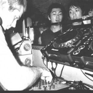 Move Ya - Drum & Bass mix, live on Radioactive FM 2012.