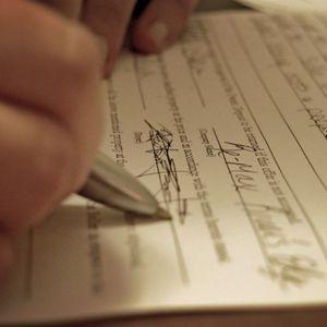Dokumentiem jābūt sakārtotiem. Kādās situācijās vērsties pie notāra?