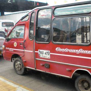 en este microbus la cumbia es prioridad