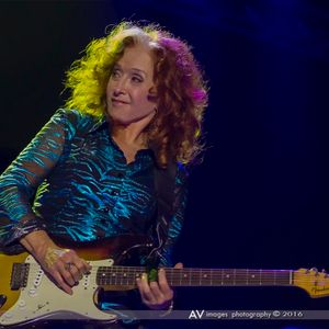 An In Depth Interview with Bonnie Raitt 2016
