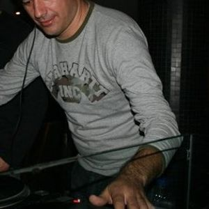 Session 0015 - The Lonely Bear pres. DJ Tozé