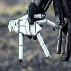 """Suicide Bombers of the Galaxy: Puzzling Subtext of """"Star Wars Rogue One"""""""