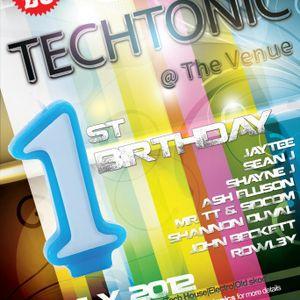 fro_grape - Techtonics 1st Birthday - The Venue Colne