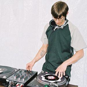 Sunday Bug#5 (DJ Senis)